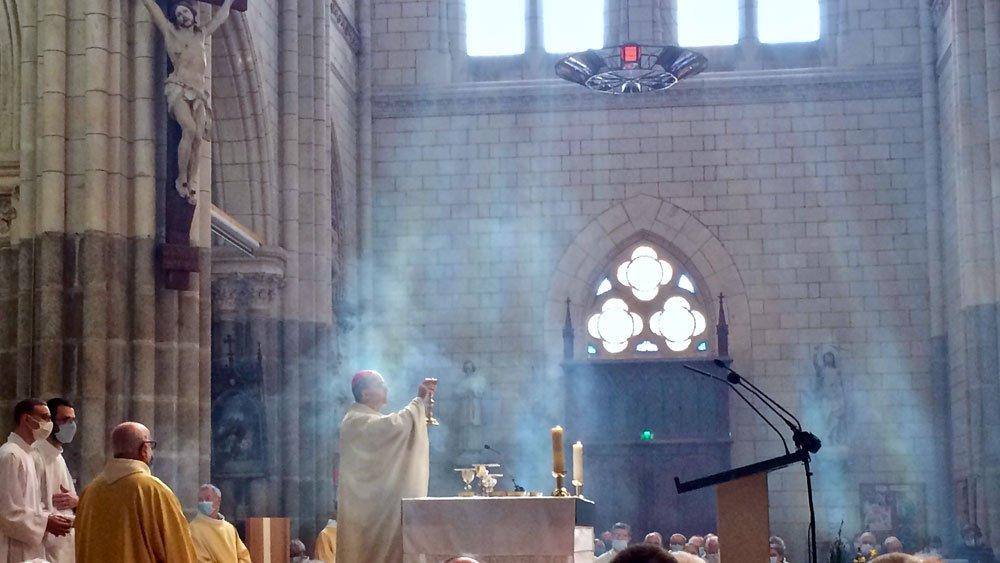 À mes frères prêtres, en ce jeudi-saint 2021